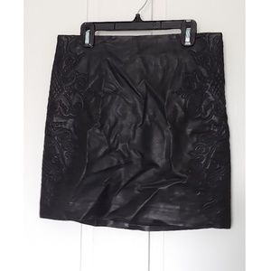 H&M BLACK FAUX LEATHER EMBROIDERED MINI SKIRT